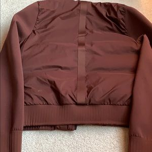 lululemon athletica Jackets & Coats - Lululemon size 4 puffy coat